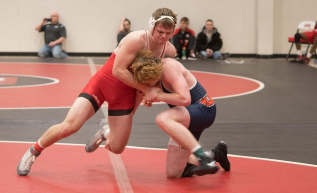 Wrestling Falls to UW-Oshkosh in Dual