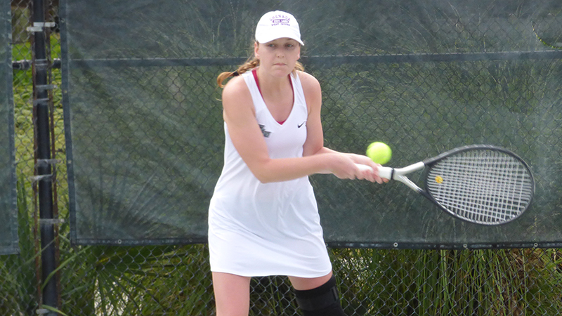 Women's Tennis Falls To Lady Reds, Green Knights Sunday