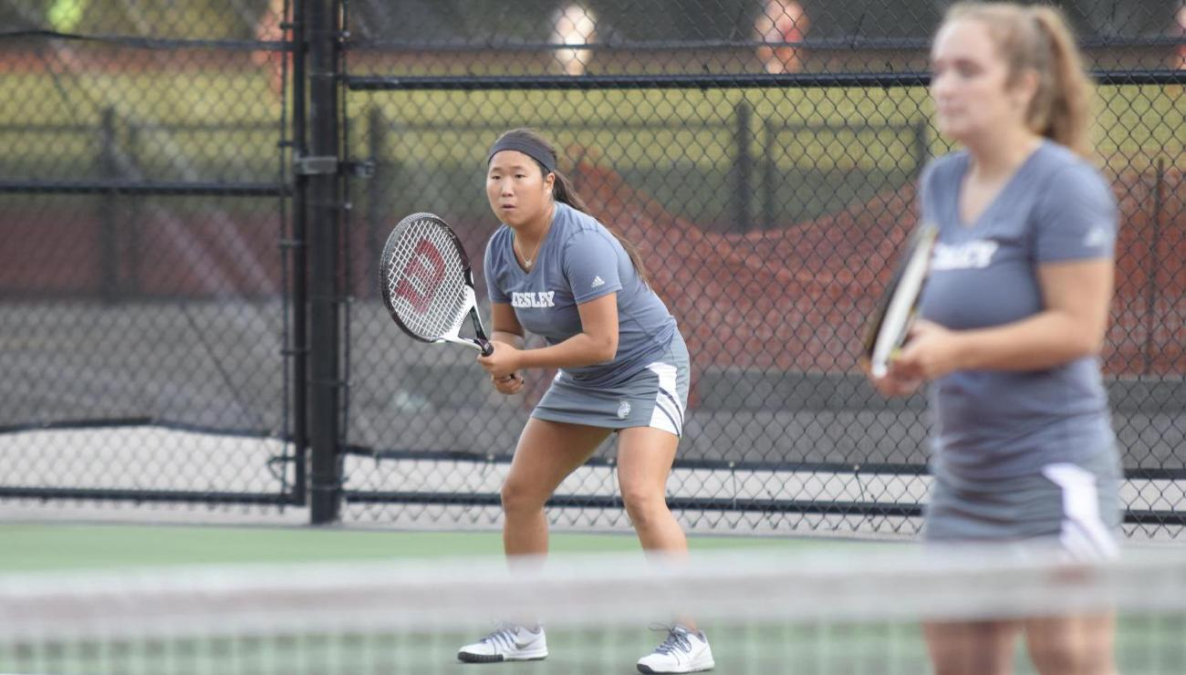 Tennis Falls to Lions, 9-0