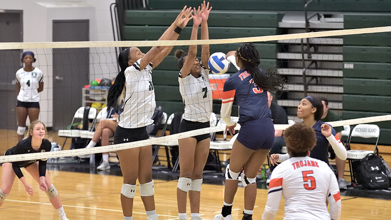 Tough Outing for Women's Volleyball