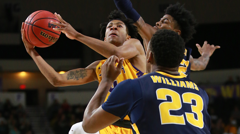Golden Eagles take Racers down to the wire, fall late to OVC rival