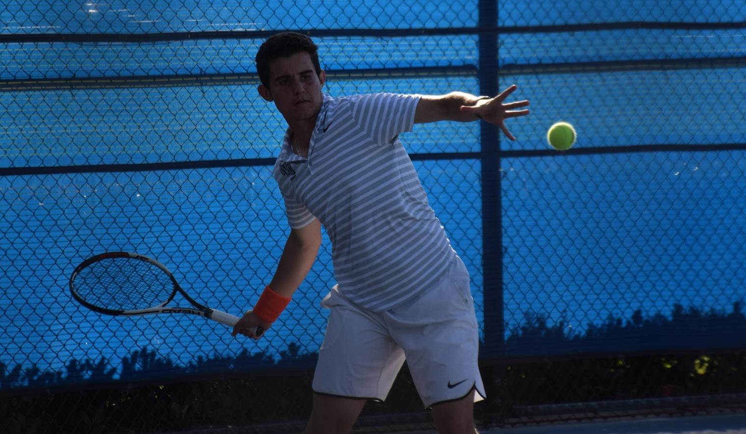 Men's tennis team ends regular season with defeat at Riverside