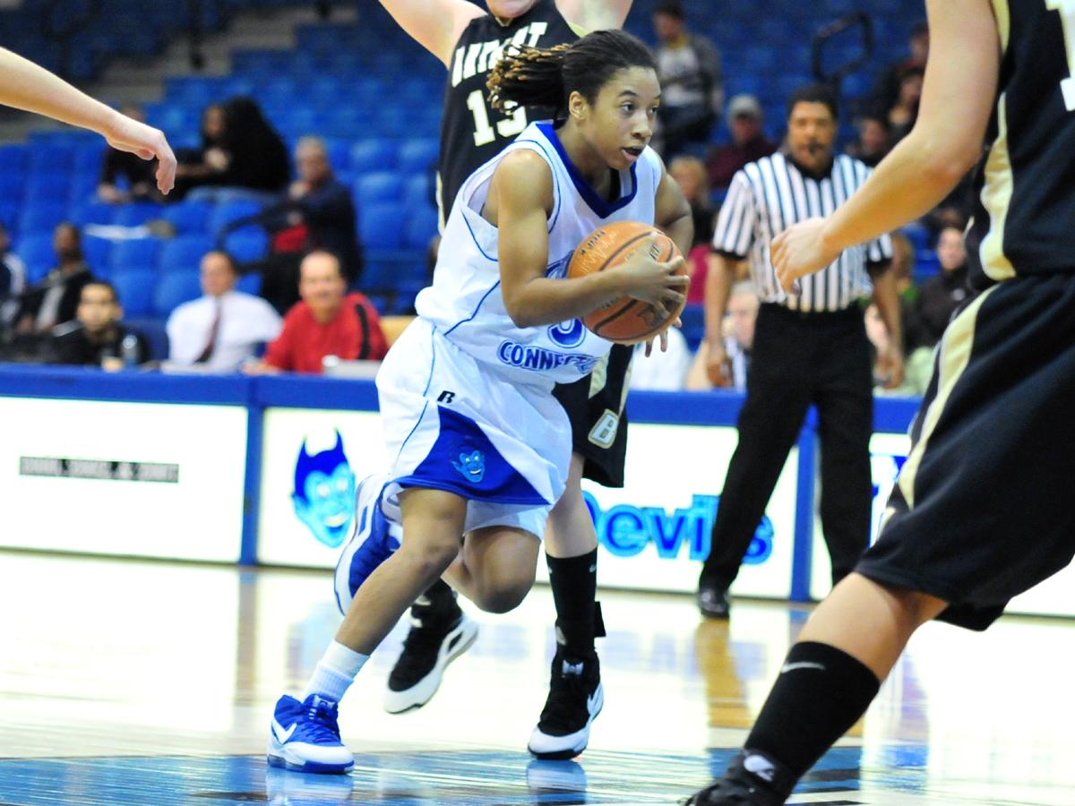 Blue Devils Rally for 71-69 Road Win Over Fairleigh Dickinson, Simmons Scores Team-High 15 Points