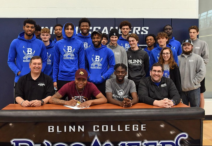 Blinn Men's Basketball Player Davion Coleman Signs With Texas State University