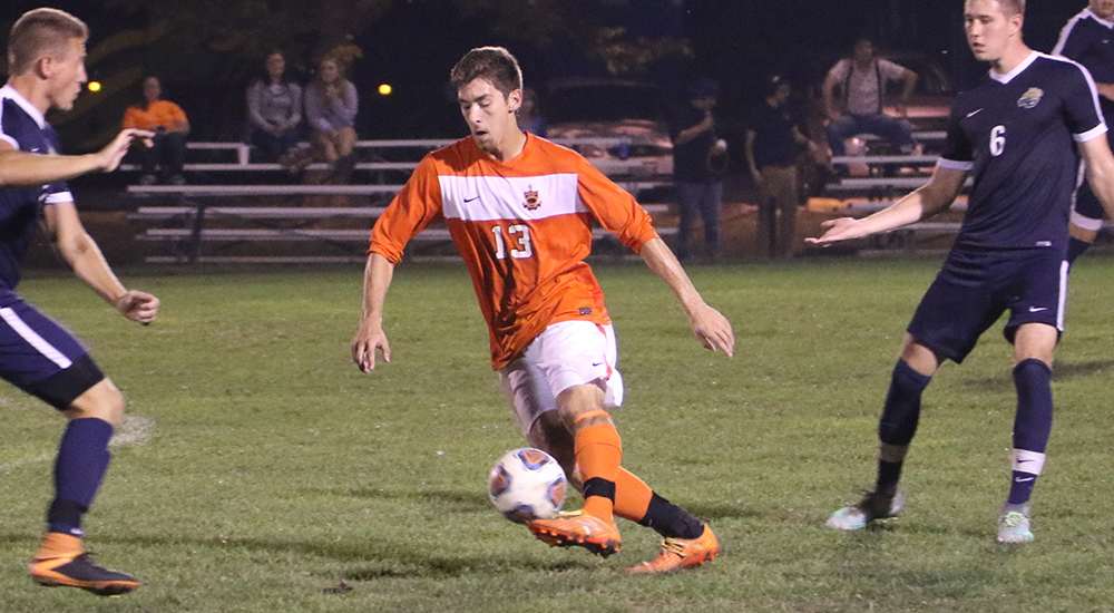 Men's soccer shut out by Webster