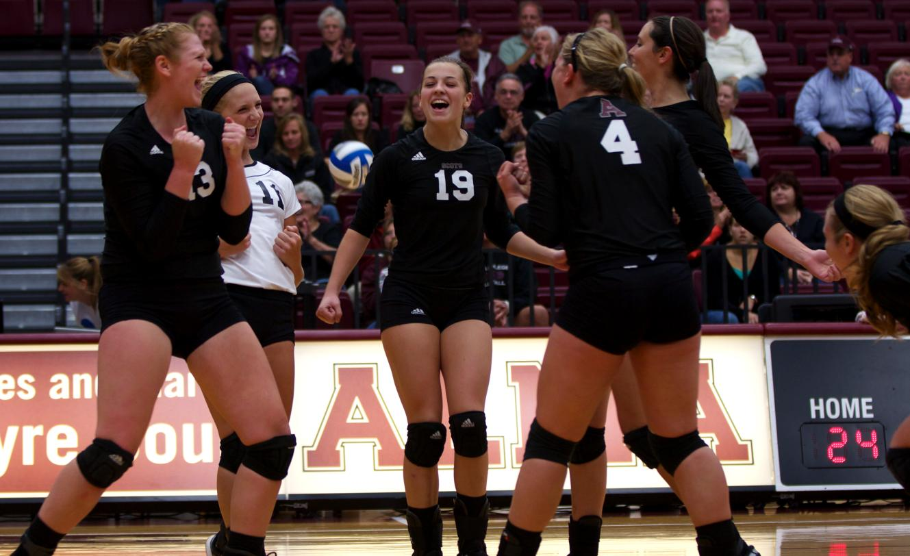 Volleyball wins hard-fought five set match at Saint Mary's on Saturday