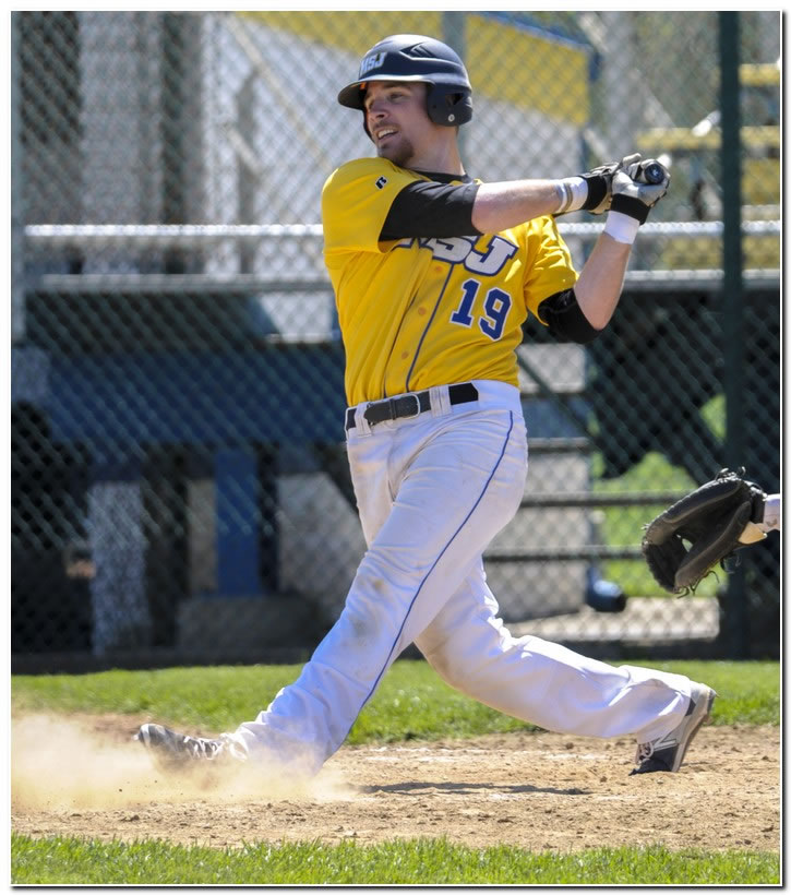Mount baseball team posts come-from-behind win at Franklin College