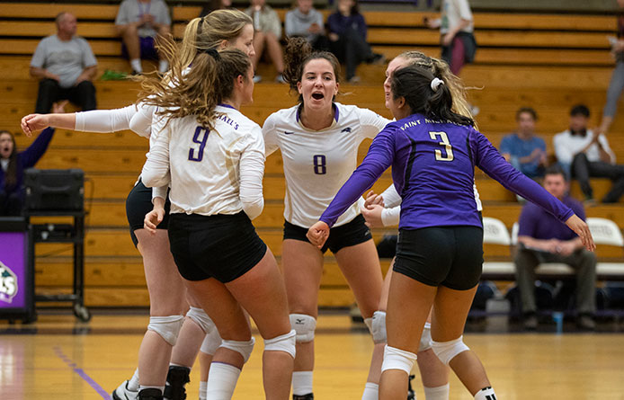 Women's Volleyball Suffers NE10 Setback at Stonehill