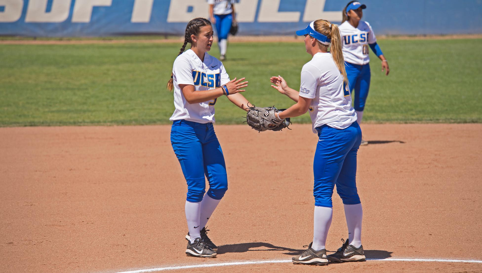 From left to right: Emily Brucelas, Ashley Ludlow (Photo by Eric Isaacs)