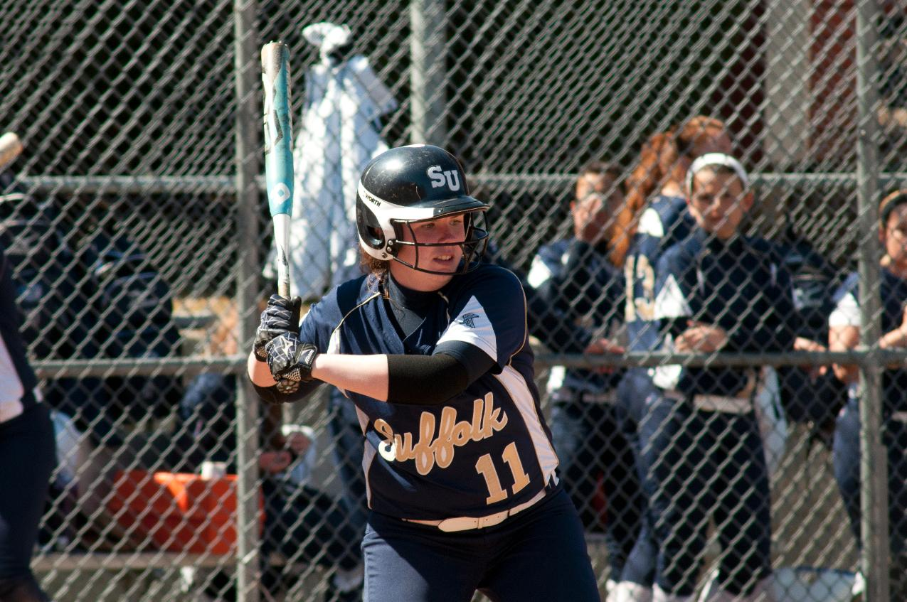 Softball Extends Winning Streak To Eight Games