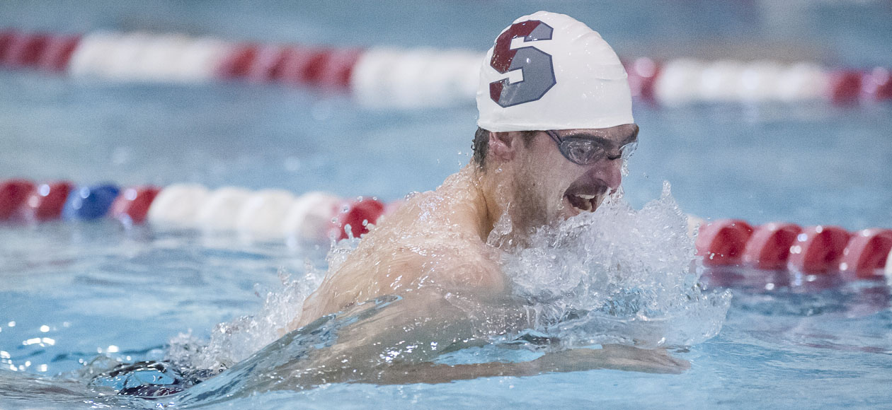 Men's Swimming and Diving Falls to Visiting Middlebury