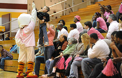 Women's basketball to host Pink Zone game on Saturday