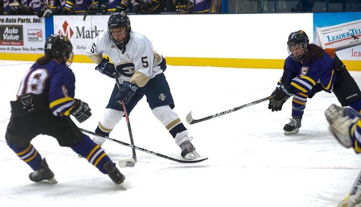 Women's Hockey Falls to Falcons 5-1 on the Road