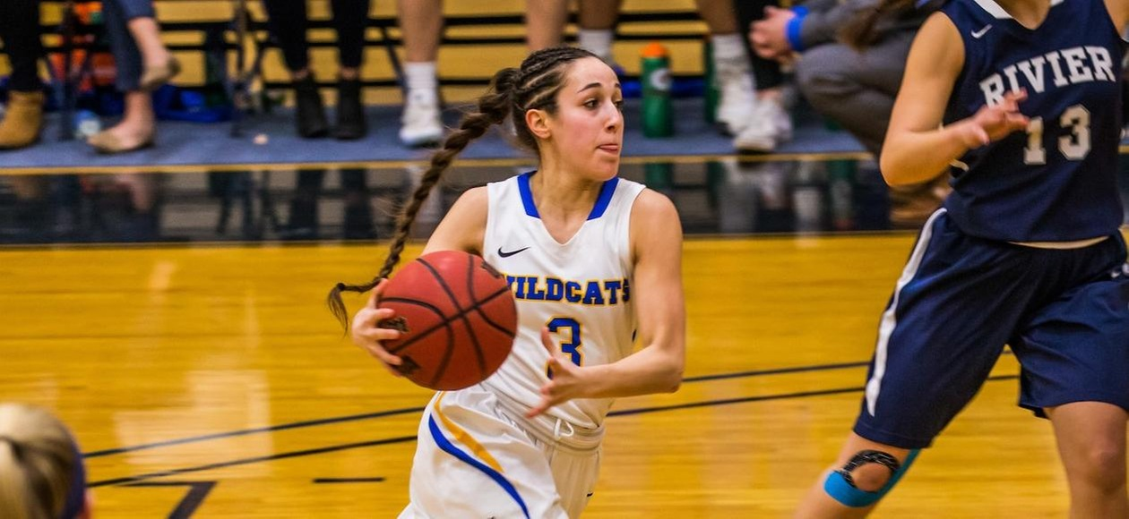 Women's Basketball Shoots Past Regis 77-68