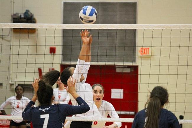 T-Birds Take Straight Sets From Pima, 3-0, on Sophomore Night