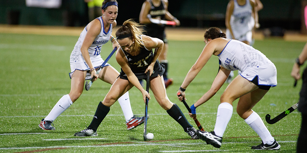 Field Hockey Stays Unbeaten in Conference Play with a 4-2 Win over Castleton