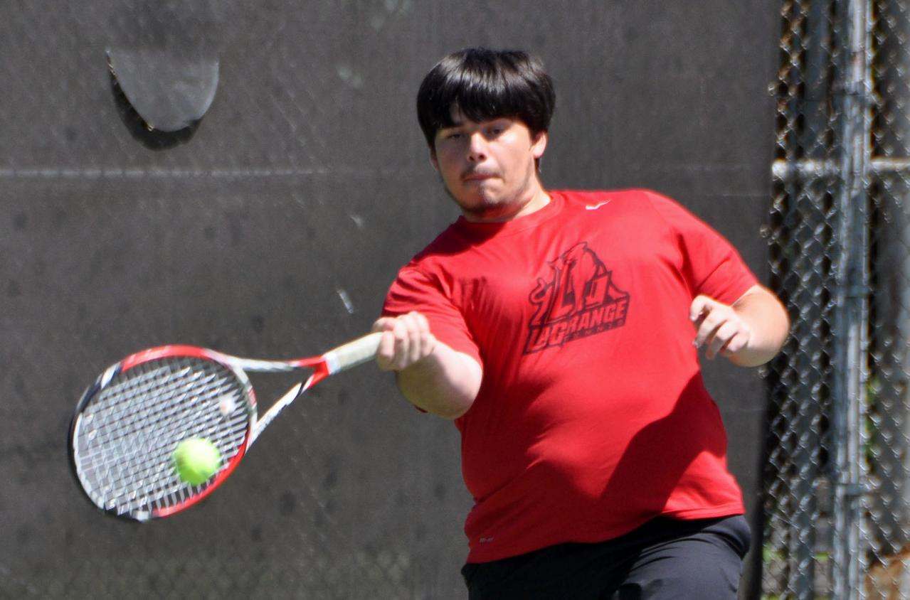 Men's Tennis: Panthers edge Averett for fifth straight win