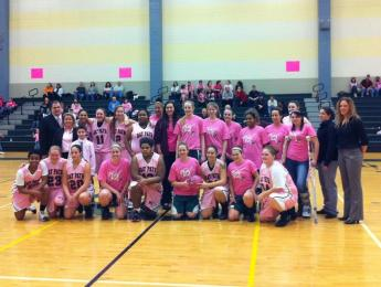 Wildcats Take Lynx in Final Seconds of Pink Out Game