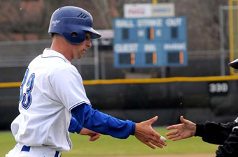 Big inning costs baseball against Augustana (Ill.), 7-3