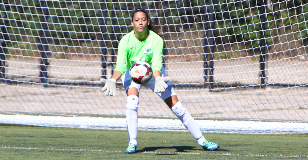 Candelaria Clears 200 Saves as Women's Soccer Wraps Up First Season Under Lawson