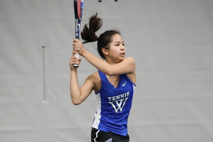 Selina Peng and the Blue are now 2-0 in NEWMAC play (Miranda Yang).