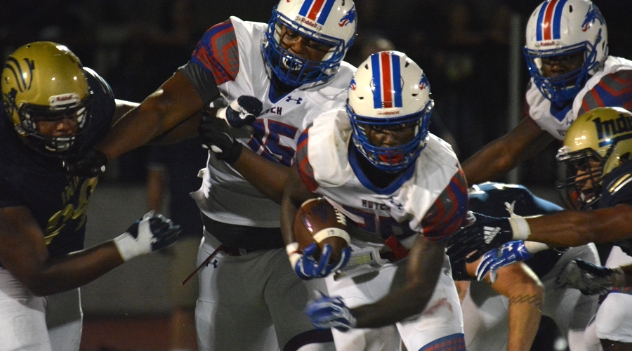 Erin Collins runs for a game-high 126 yards in Hutchinson's 37-27 victory over No. 5 Independence on Saturday at Independence (Bre Rogers/Blue Dragon Sports Information)