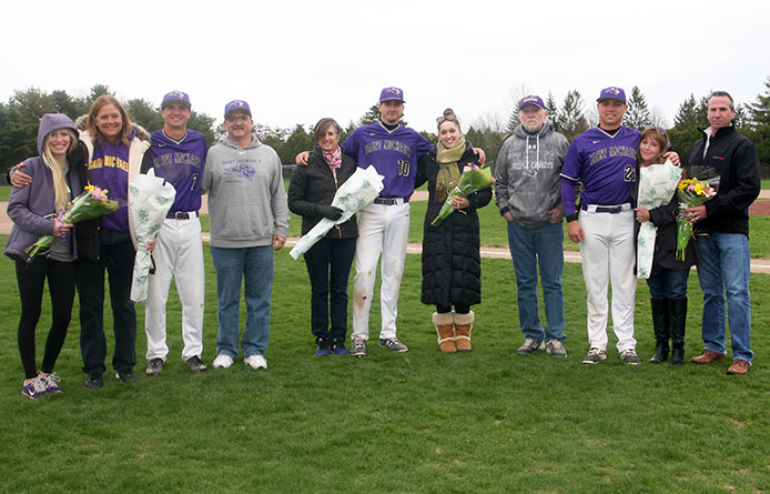 Baseball splits Senior Day twinbill with Stonehill, wins weekend series