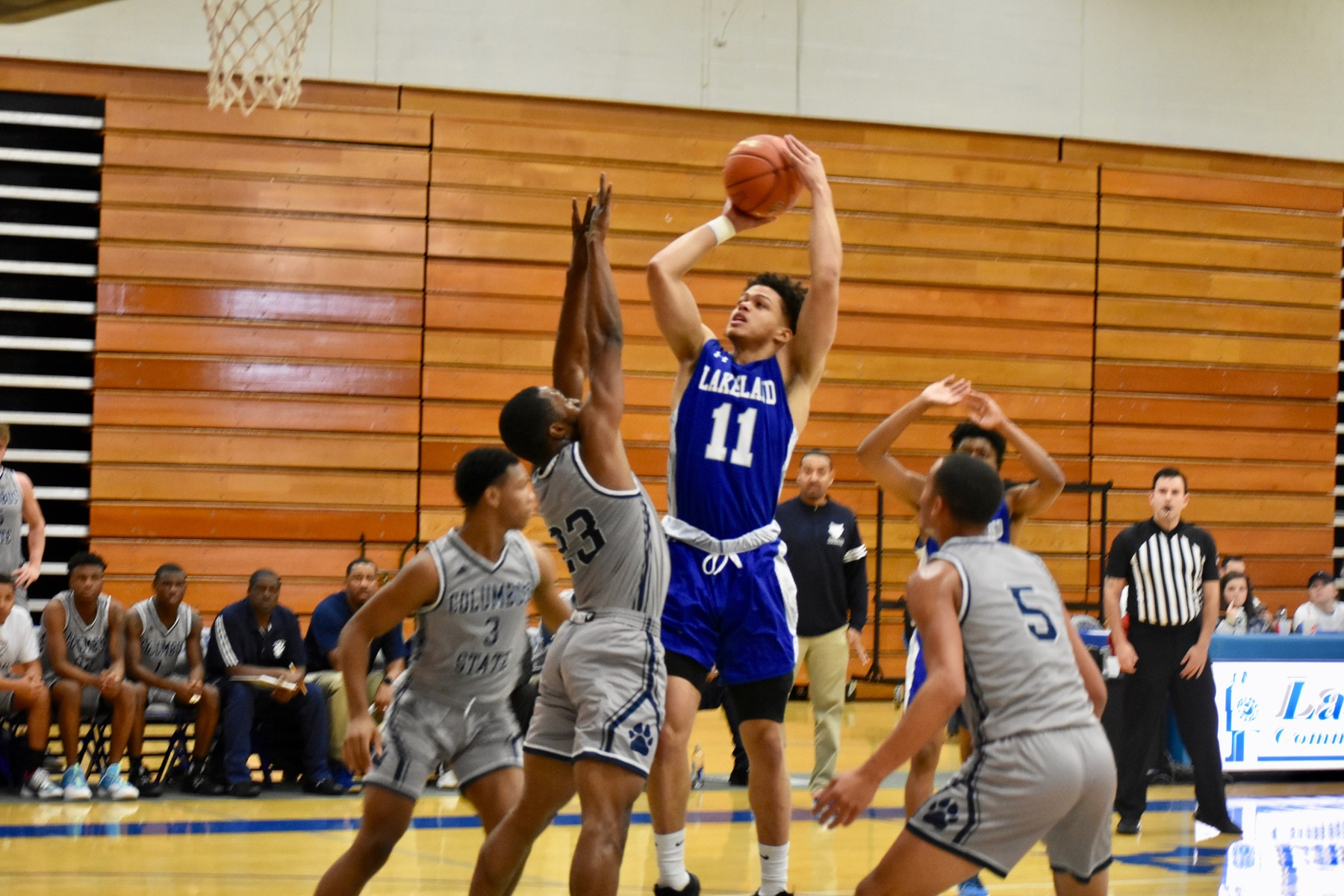 Lakers men's basketball falls to Erie CC