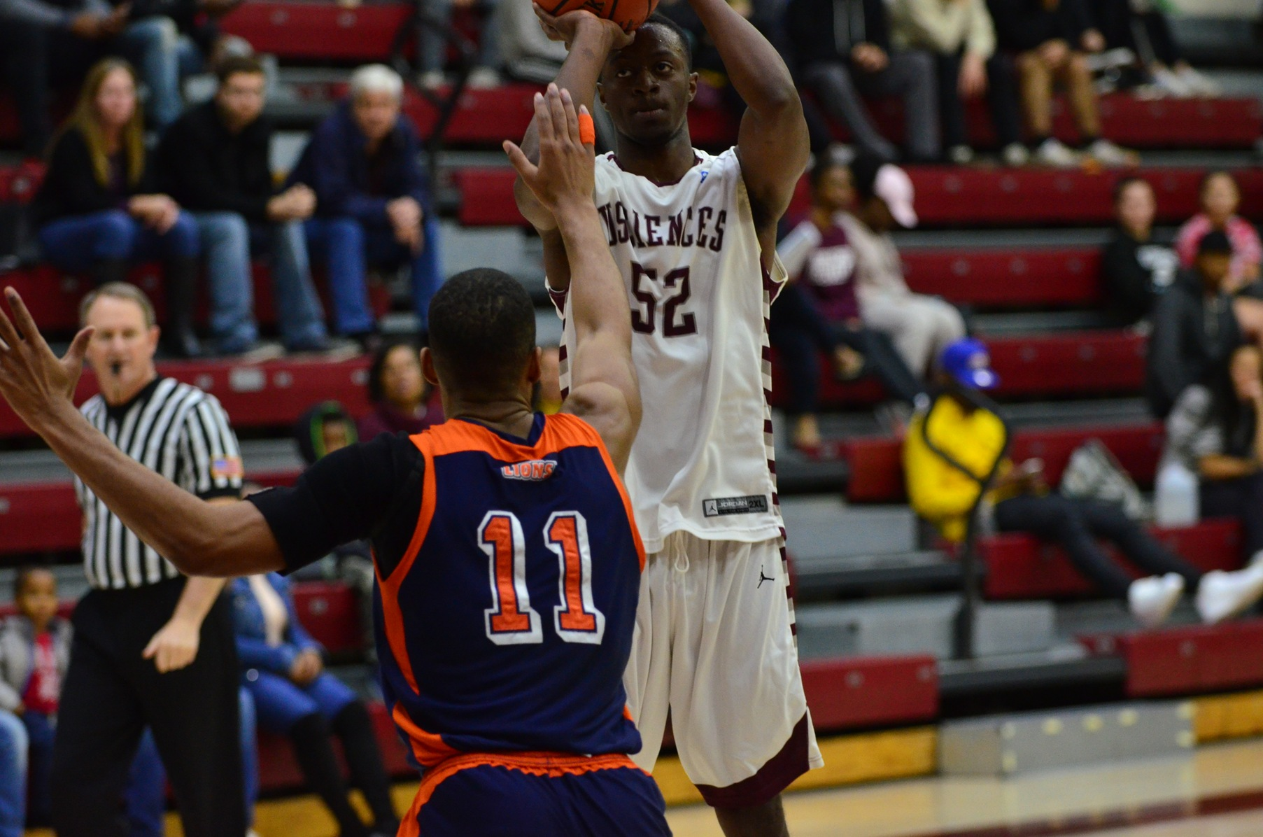 Men's Basketball Downed by Lincoln on Tuesday