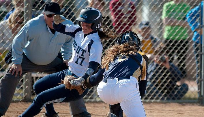 Softball Drops Two in Final Day at Illinois Wesleyan Tournament
