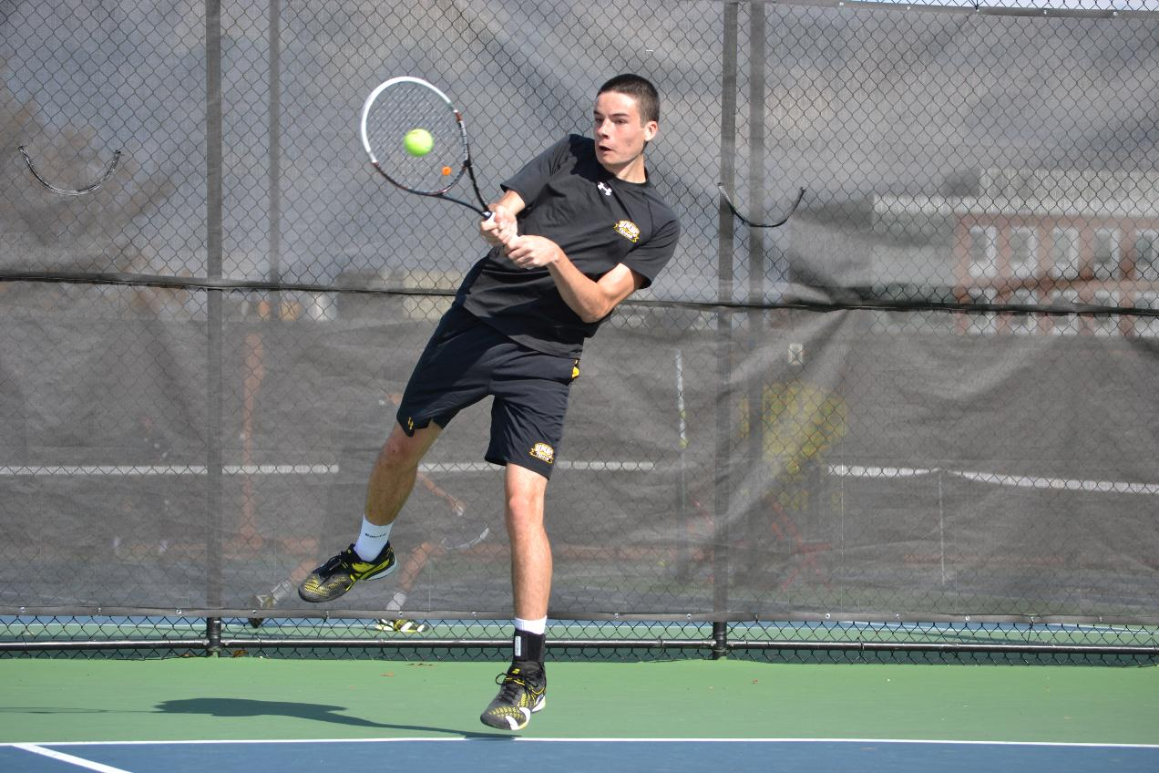 Eliott Loubatie Named AE Men's Tennis Player of the Week