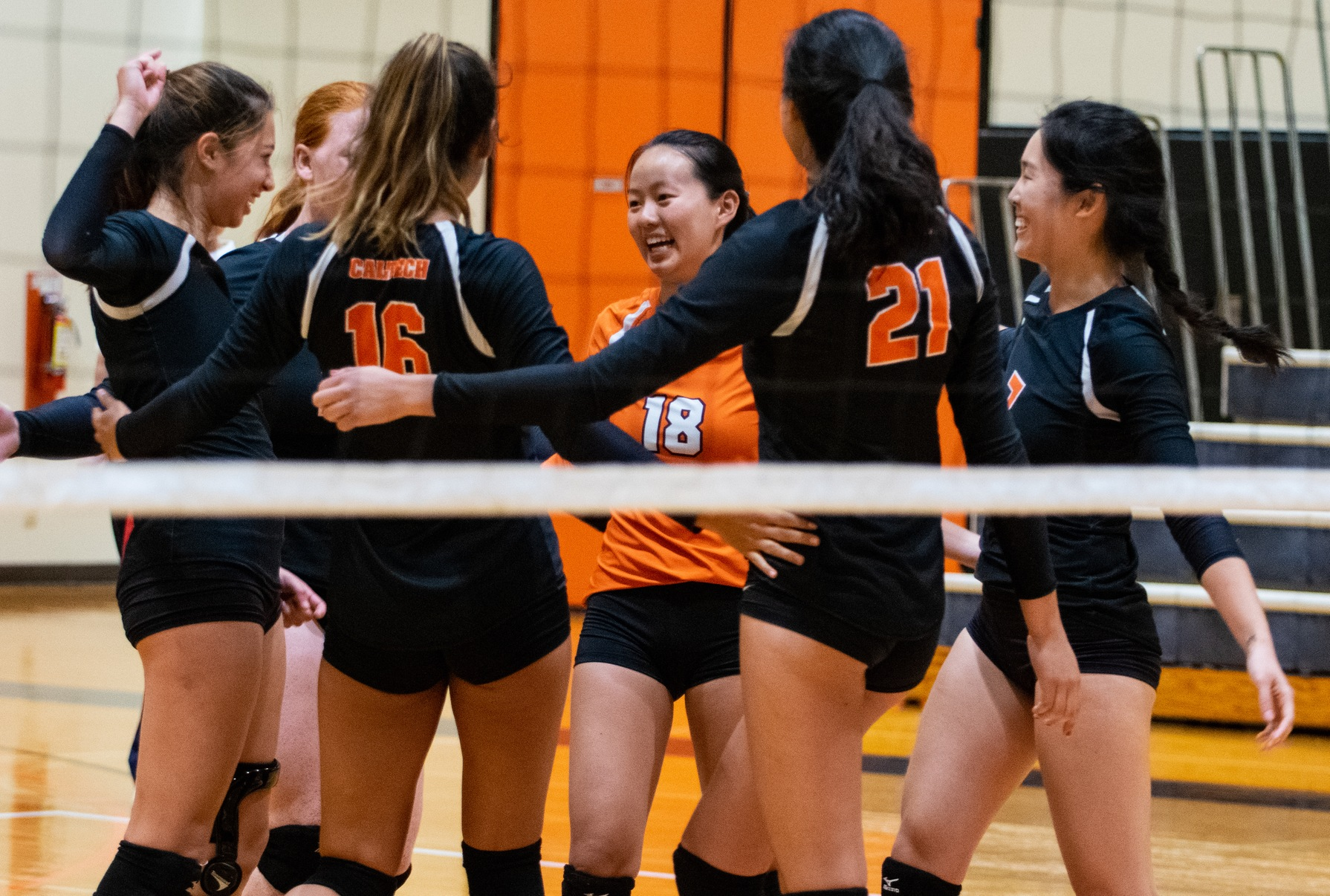 Volleyball Takes Down St. Katherine, Avenges PCC Defeat