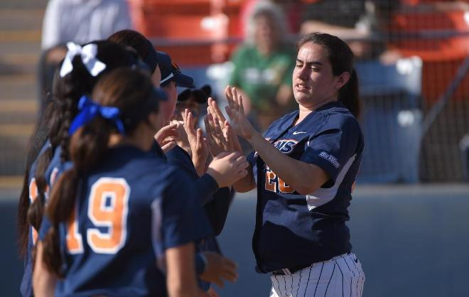 Cal State Fullerton Falls 3-2 Against Wisconsin