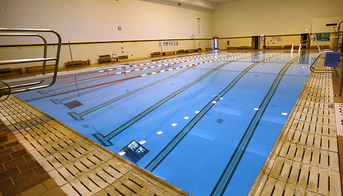 picture of the swimming pool from the corner