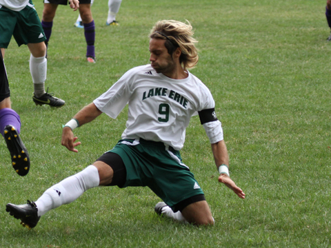 Men's Soccer Falls 2-1 in OT for Second Straight Game