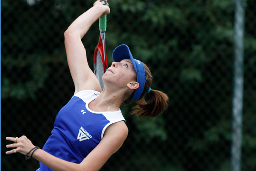 Wellesley Tennis Hangs Tough in 5-4 Loss to #14 Trinity
