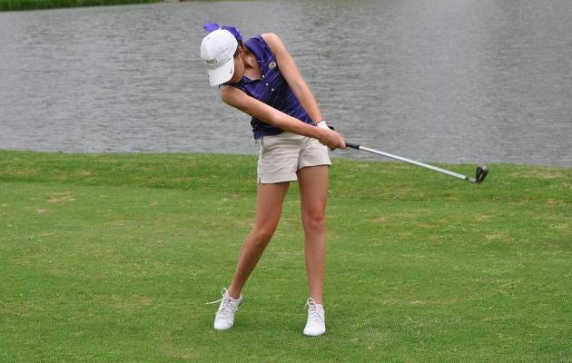Women's Golf in 11th after Day One