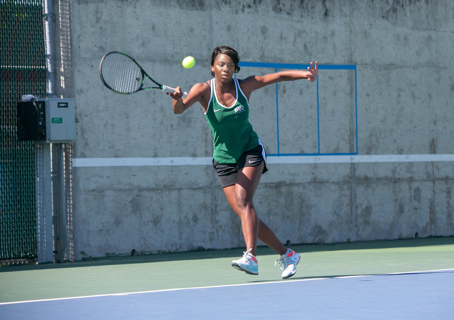 Women's Tennis off to 3-1 start