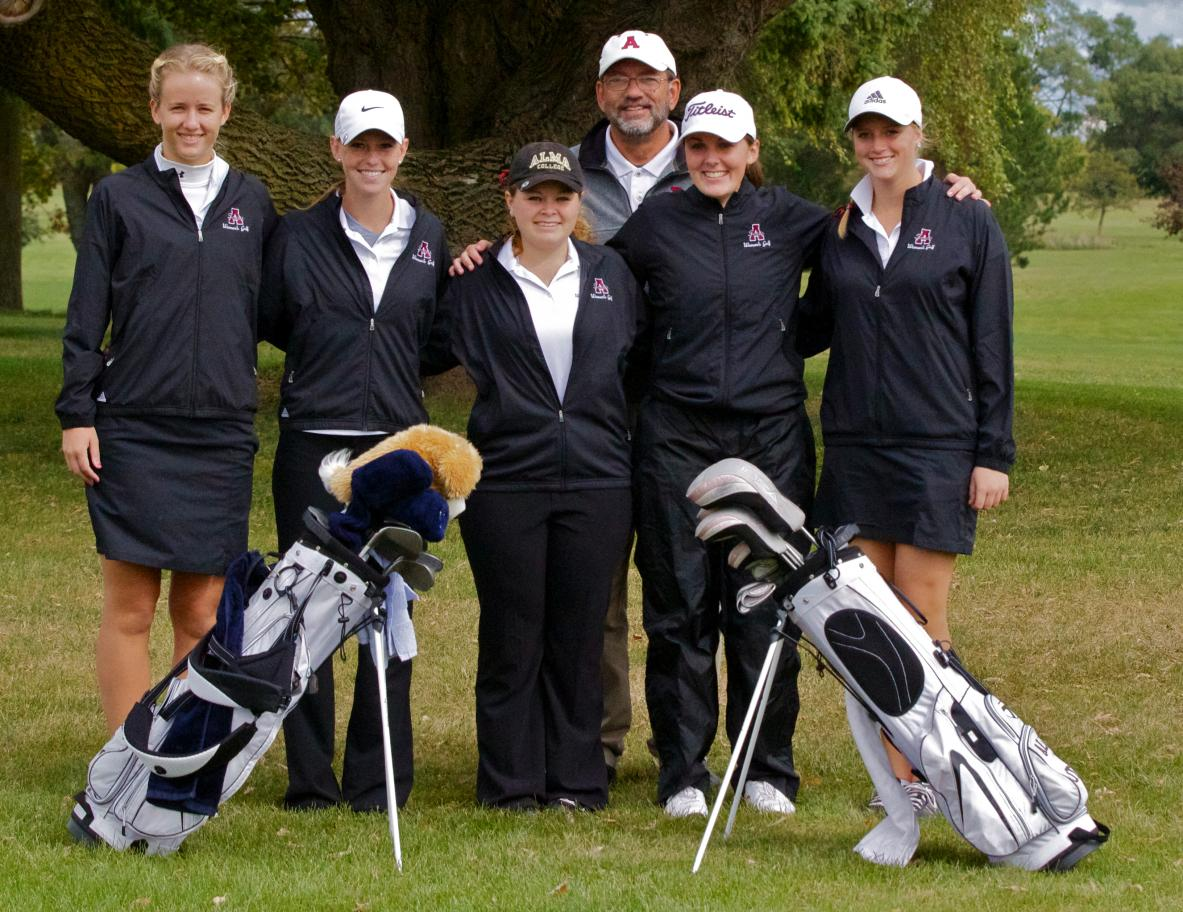 Alma Women's Golf hosted MIAA Jamboree at Pine River Country Club