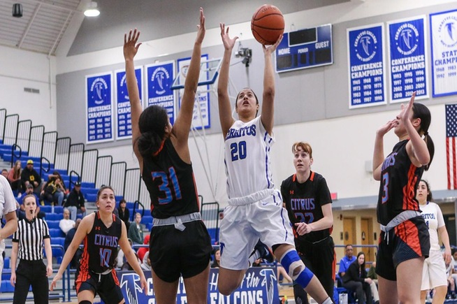 Jesenia Rendon scored a game-high 27 points to lead the Falcons