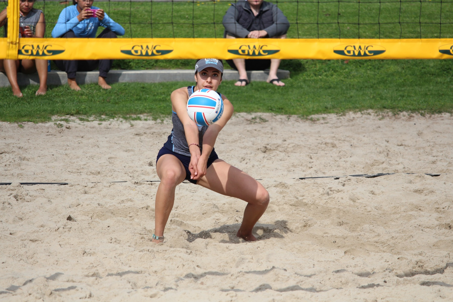 No. 7 Beach Volleyball Splits Friday Doubleheader