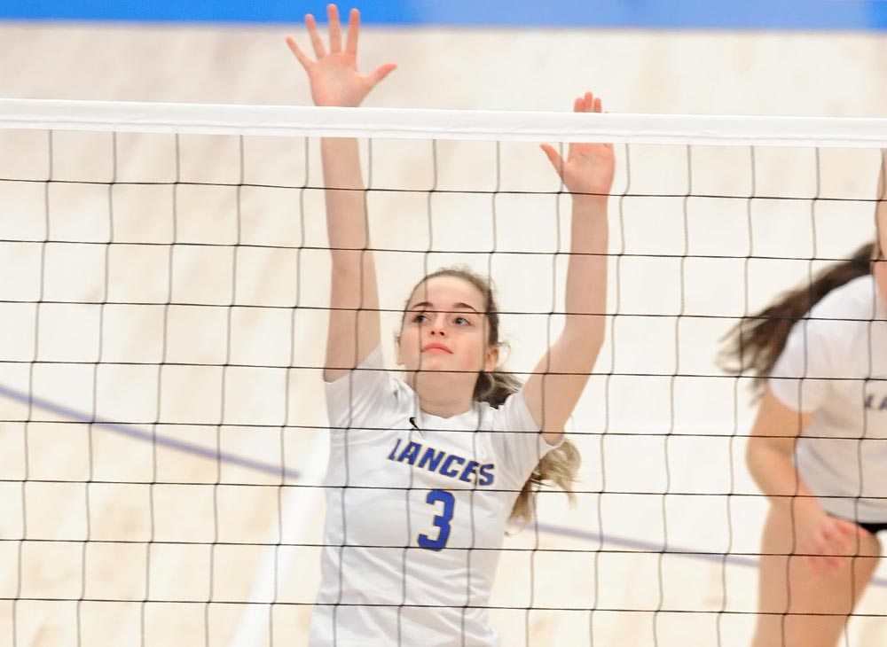Women's Volleyball Falls to Western Connecticut and Coast Guard