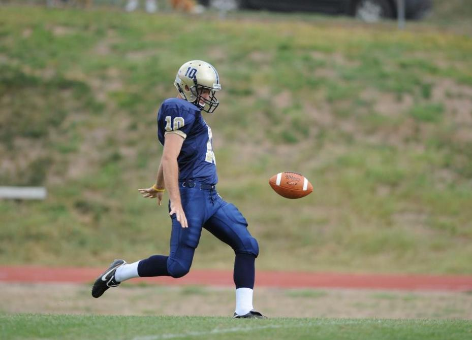 Football completes Juniata three sport sweep over Thiel with 16-13 victory