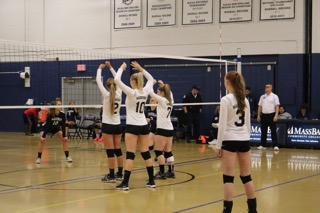 Warrior Volleyball Stays Hot with 3-0 Sweep of Quinsigamond
