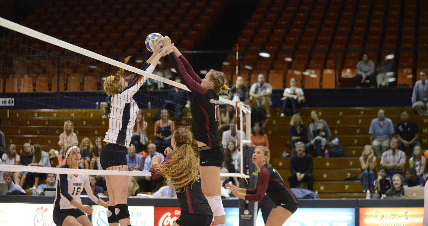 Volleyball Opens WCC Play With 3-1 Win at Pepperdine