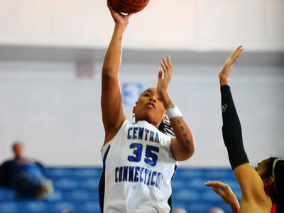 Udenze Records Double-Double, Blue Devils Fall to Sacred Heart
