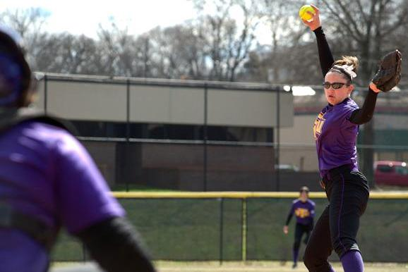 Softball seals second victory of 2013 campaign