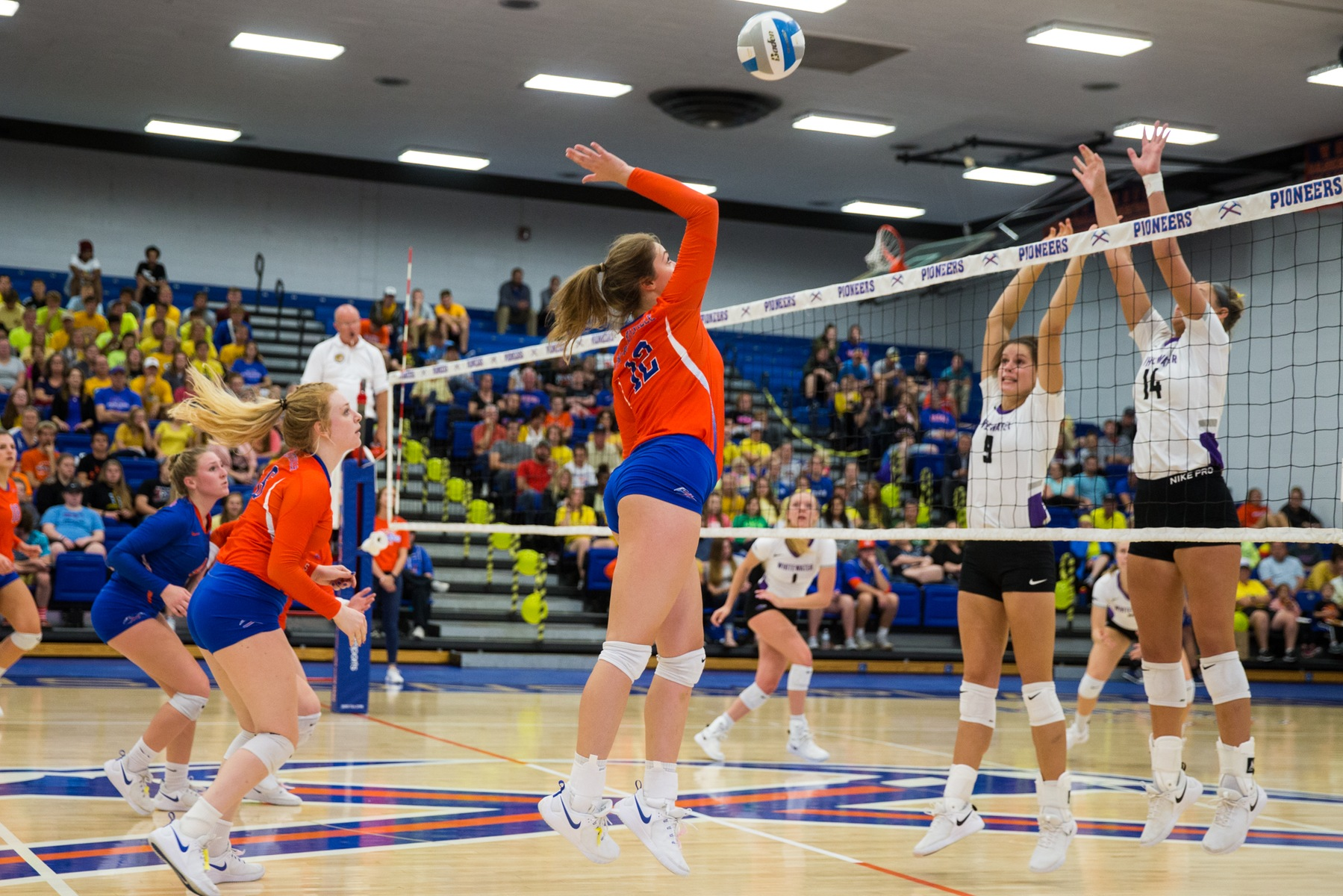 Pioneers fall to Titans in conference match