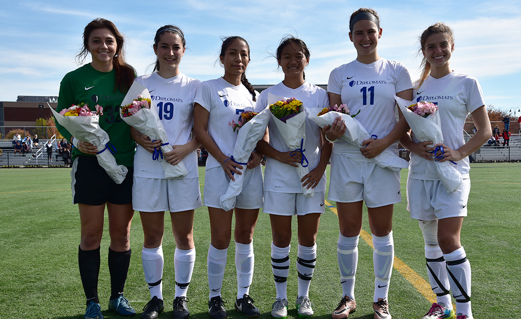 Kerr, Diplomats Celebrate Senior Day With a Win