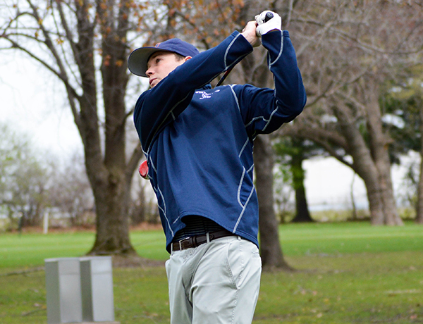 Stonecipher Leads Blue Jays at SLIAC Men's Golf Championship